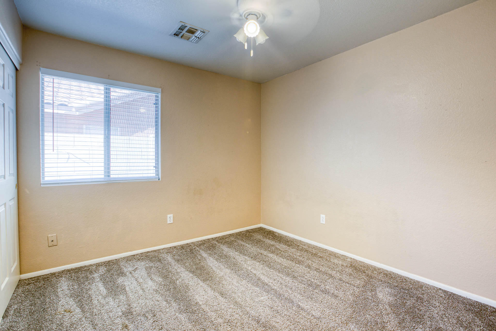 2335 E BROWNING  -18