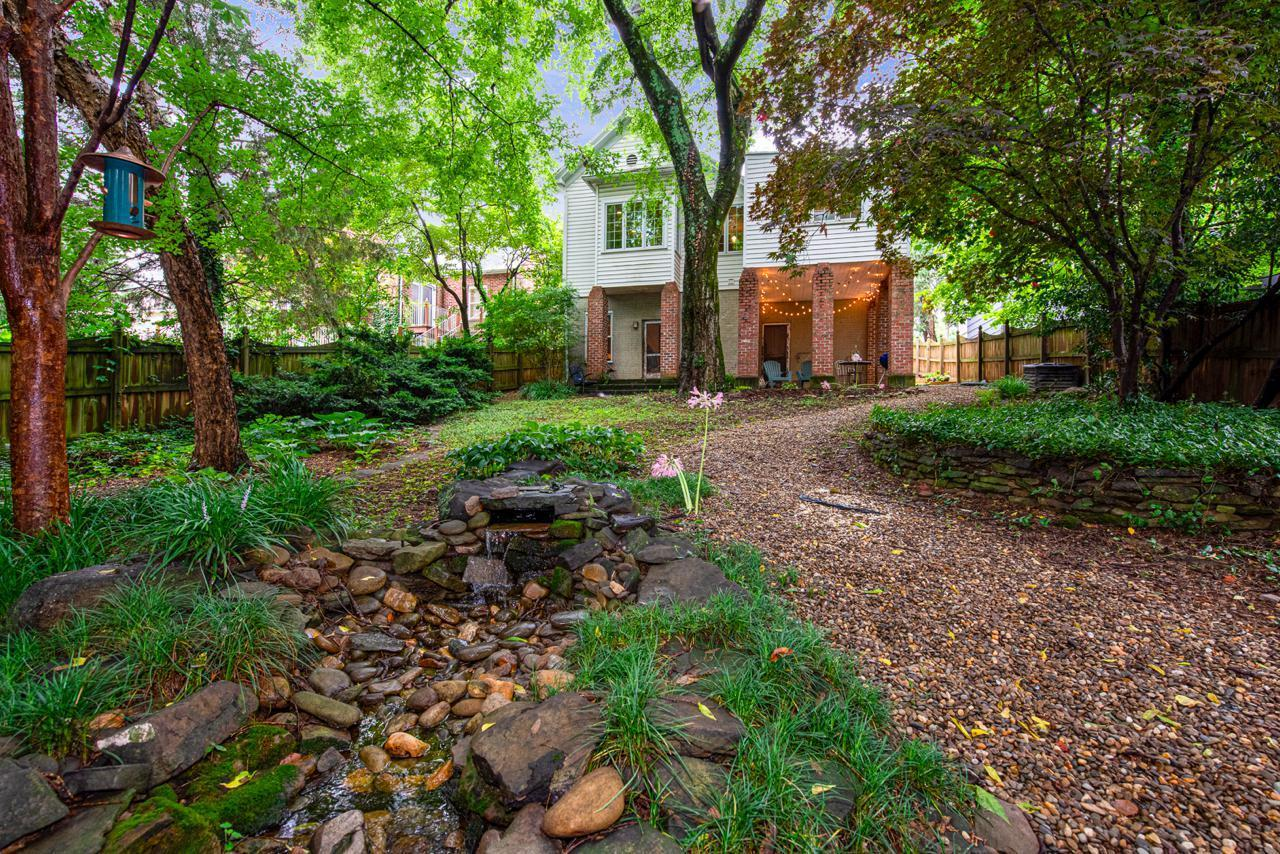 1404  Armstrong Ave-28